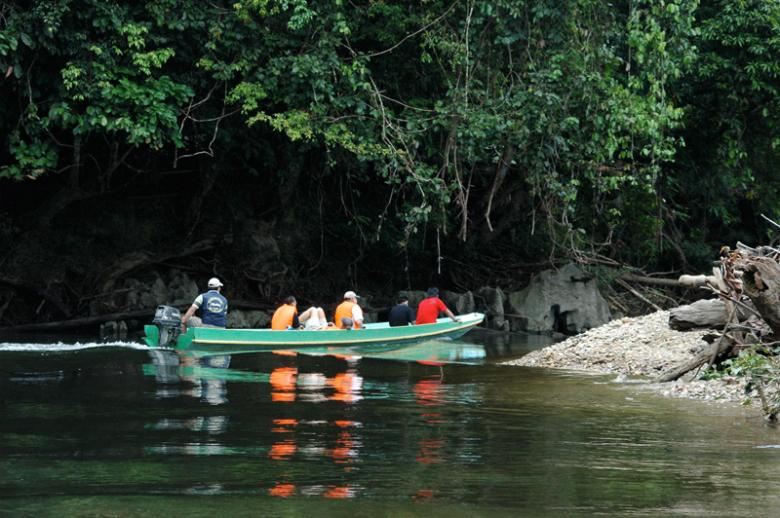 Mulu Boat Trip1